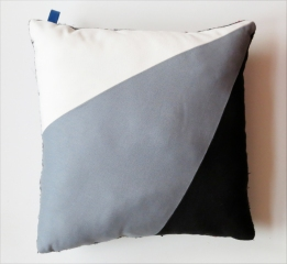 IMG_3315-COUSSIN-GRAPHIQUE-LABERLUE-REF.1384