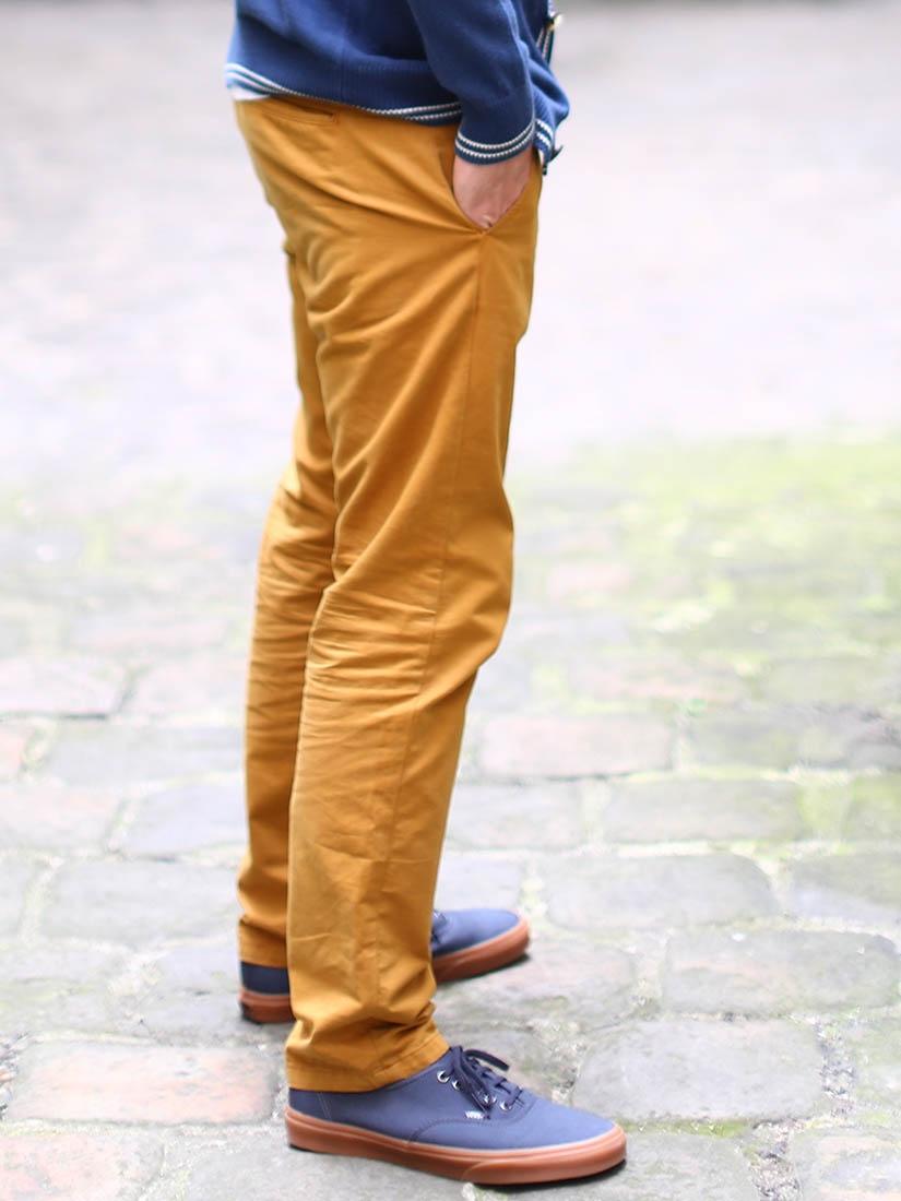 acolyte pantalon chino homme en coton jaune moutarde neuf taille 3032. Black Bedroom Furniture Sets. Home Design Ideas